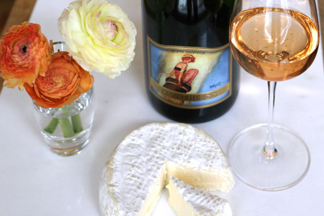 Breathless Brut Sparkling Wine paired with Sweet Grass Green Hill Cheese