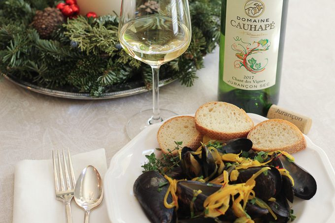 Steamed Mussels with Wine & Saffron