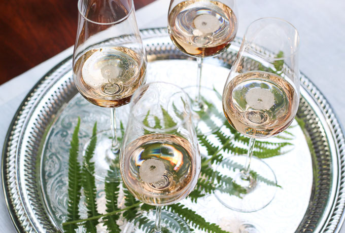 Why Sparkling Wine is a Versatile Food Pairing